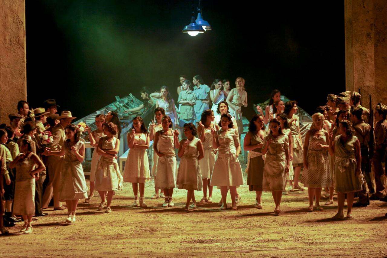 Carmen-atto-I-foto-Priamo-Tolu