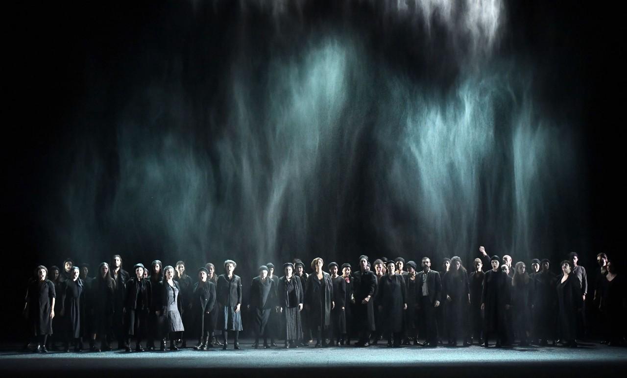 1228_Macbeth_Coro-del-Teatro-Regio-di-Parma