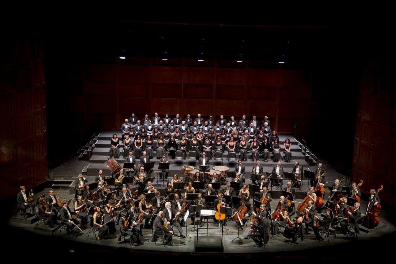 Orchestra-e-Coro-foto-Priamo-Tolu
